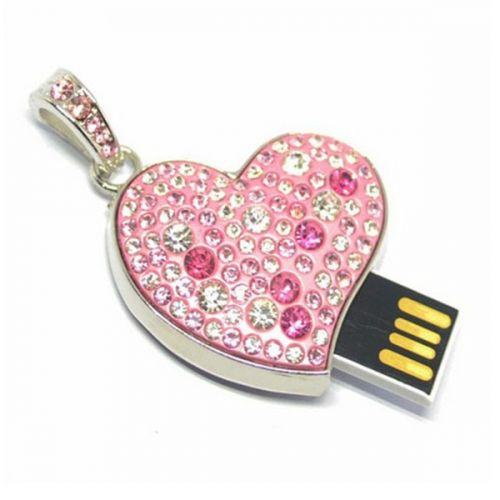 USB флаш памет - сърце с кристали